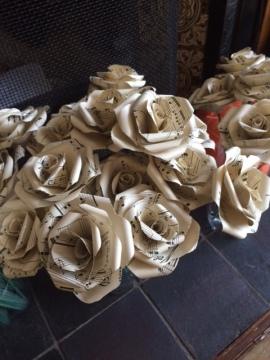 plain-standard-musical-roses